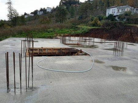 Zemin katın betonu döküldü
